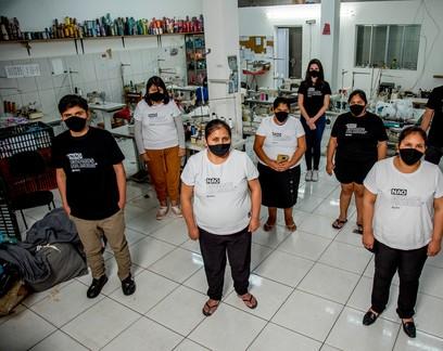 Startup social gera renda para costureiras que produzem máscaras na pandemia