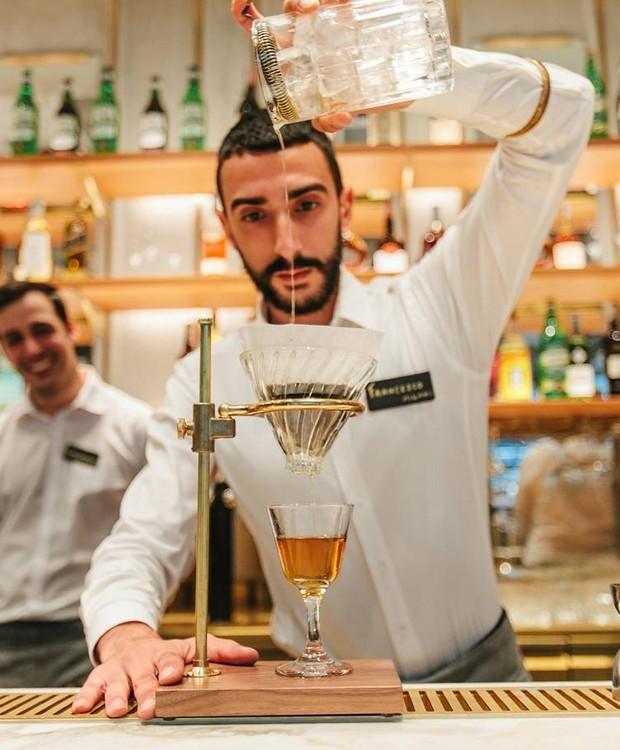 Além de café e os itens tradicionais da casa, o Starbucks de Milão serve drinks italianos (Foto: Starbucks/ Reprodução)