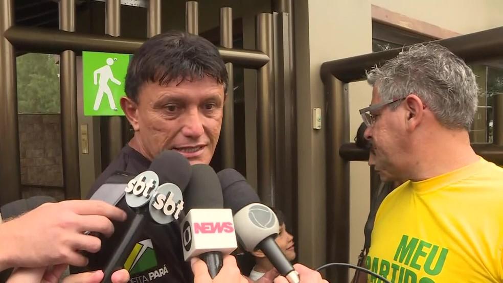 Delegado Éder Mauro (PSD/ Pará) foi até a casa de Bolsonaro nesta segunda-feira — Foto: Reprodução / GloboNews