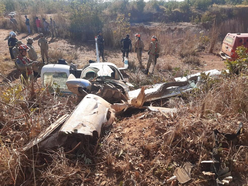 Bombeiros socorreram vítimas de queda de avião em MT — Foto: Corpo de Bombeiros