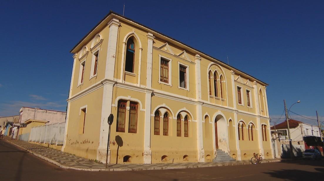 Prefeitura de Romaria reforça segurança após incêndio em prédio