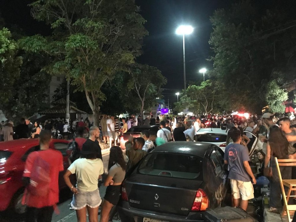 Aglomeração, som alto e bar aberto após o horário permitido foram algumas das irregularidades flagradas no domingo (31) em Cabo Frio, no RJ. — Foto: Divulgação/Prefeitura de Cabo Frio