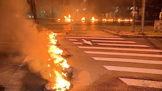 Protestos bloqueiam garagens de ônibus e rodovias nesta sexta-feira no Rio Grande do Sul