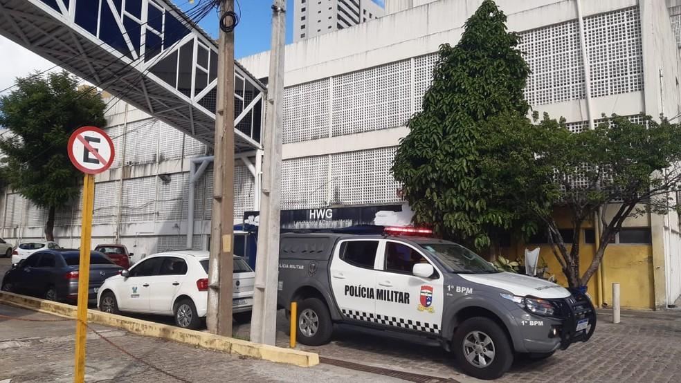 Preso tenta render policial penal para fugir de hospital em Natal. — Foto: Sérgio Henrique Santos/Inter TV Cabugi