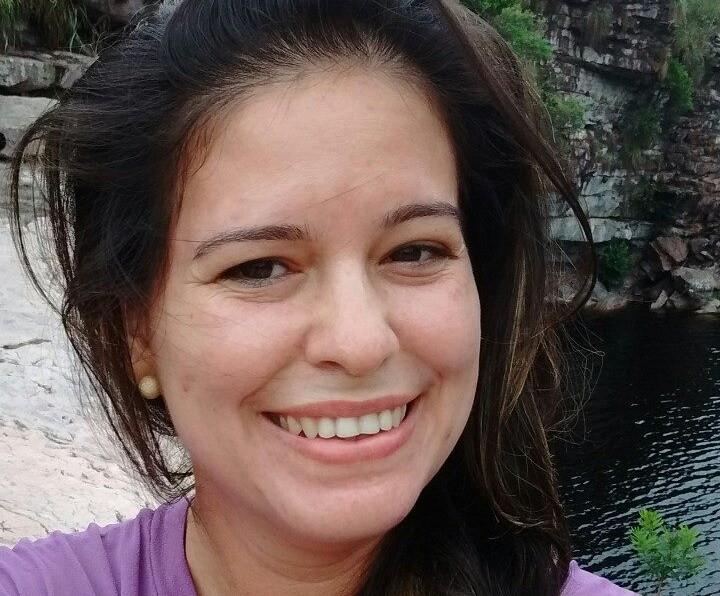 'Era para ela está aqui', diz mãe de professora de inglês morta a facadas há cinco anos na Bahia; amigos cobram respostas