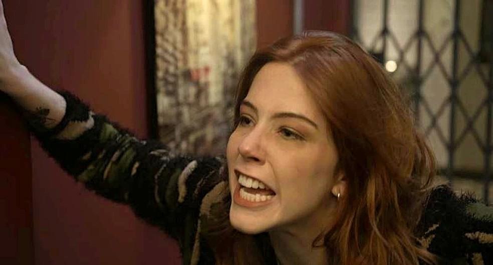 Ao ser deixada, Valéria fica furiosa com a atitude de Bruno em 'Órfãos da Terra' — Foto: TV GLOBO