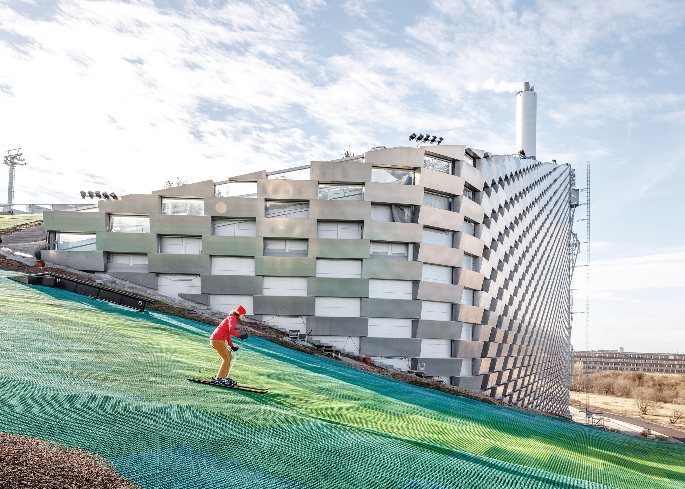 Usina de energia mais limpa do mundo com direito a pista de ski inaugura na Dinamarca (Foto: Divulgação)