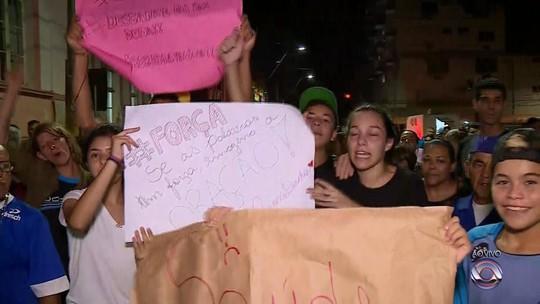 Moradores protestam em São Leopoldo devido a mortes por meningite