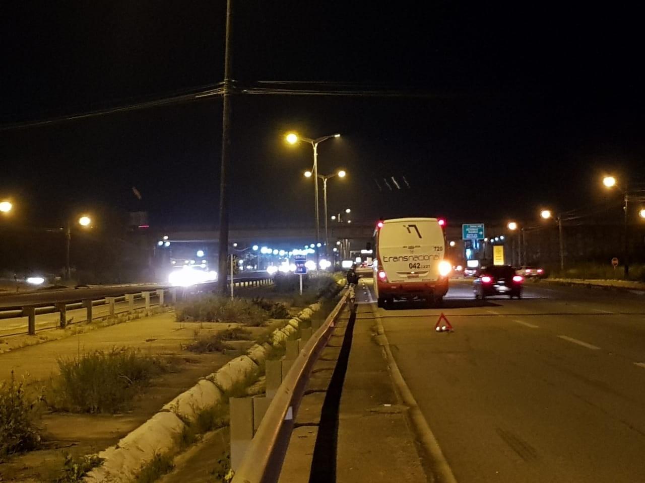 Pedestre morre após ser atropelado por ônibus na BR-116, em Fortaleza