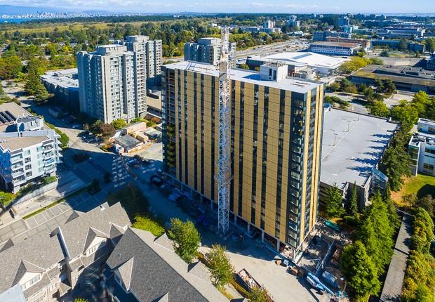 Brock Commons Tallwood House, alojamento de estudantes da University of British Columbia, em Vancouver, no Canadá. É o prédio de madeira mais alto do mundo (Foto: Divulgação)