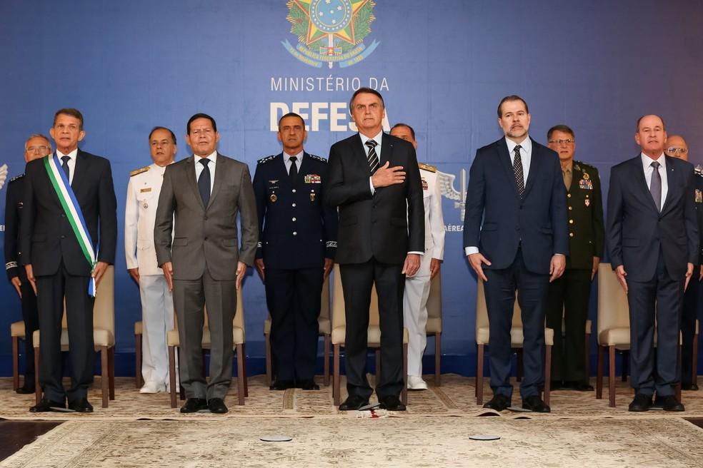 O presidente da República, Jair Bolsonaro, durante a cerimônia de transmissão de cargo do Ministério da Defesa — Foto: Marcos Corrêa/Presidência da República