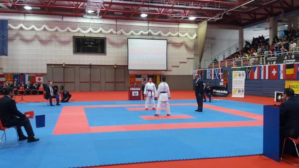 Valéria Kumizaki segue na briga e leva medalha — Foto: Thiago Fernandes