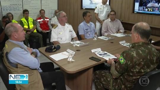 Ministro anuncia transferência de operação da Marinha para ampliar ações contra o óleo no Nordeste