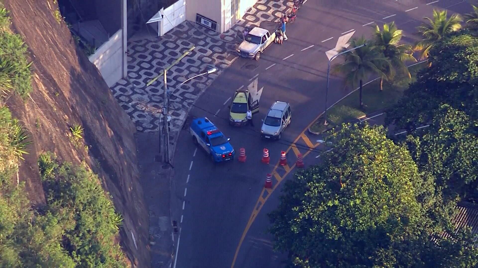 Polícia Militar faz operação no Morro do Vidigal, no Rio; Av. Niemeyer chegou a ser interditada