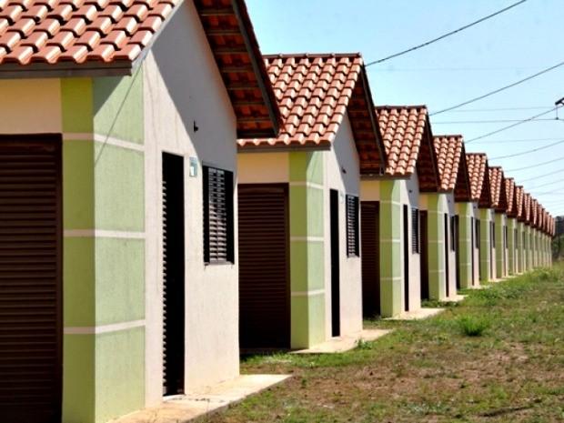 Famílias sorteadas devem apresentar documentos (Foto: Luiz Alves/Secom-Cuiabá)