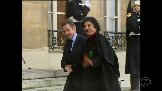 Sarkozy é detido para depor sobre financiamento de campanha