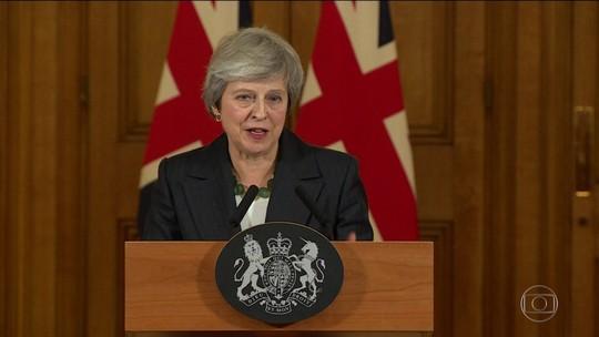 May volta a defender acordo sobre o Brexit após renúncia de aliados