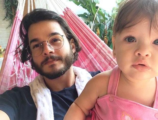 Túlio Gadêlh e a sobrina (Foto: Reprodução)