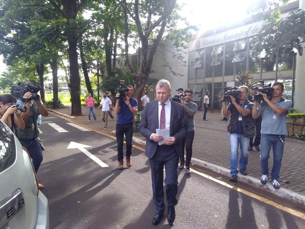 Promotor Jorge Barreto da Costa detalhou que vereadores são alvos dessa operação (Foto: Dionísio Mathias/RPC)
