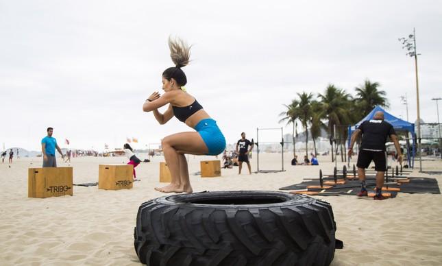 Amanda Leckar prefere treinar na praia