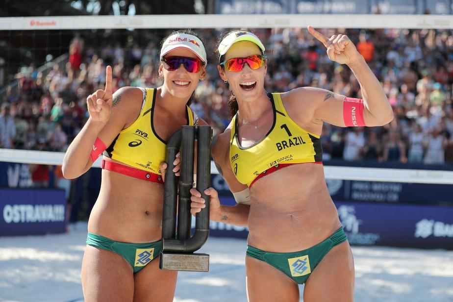 Em final brasileira, Ãgatha e Duda vencem etapa de Ostrava do Circuito Mundial de vôlei de praia