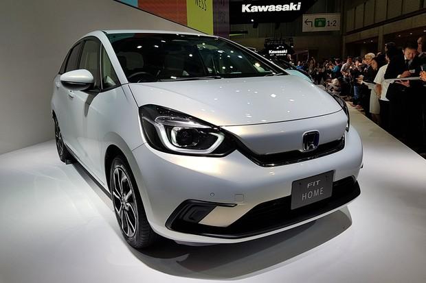 Honda revela a nova geração do Fit na abertura do Salão de Tóquio, no Japão (Foto: Ulisses Cavalcante/Autoesporte)