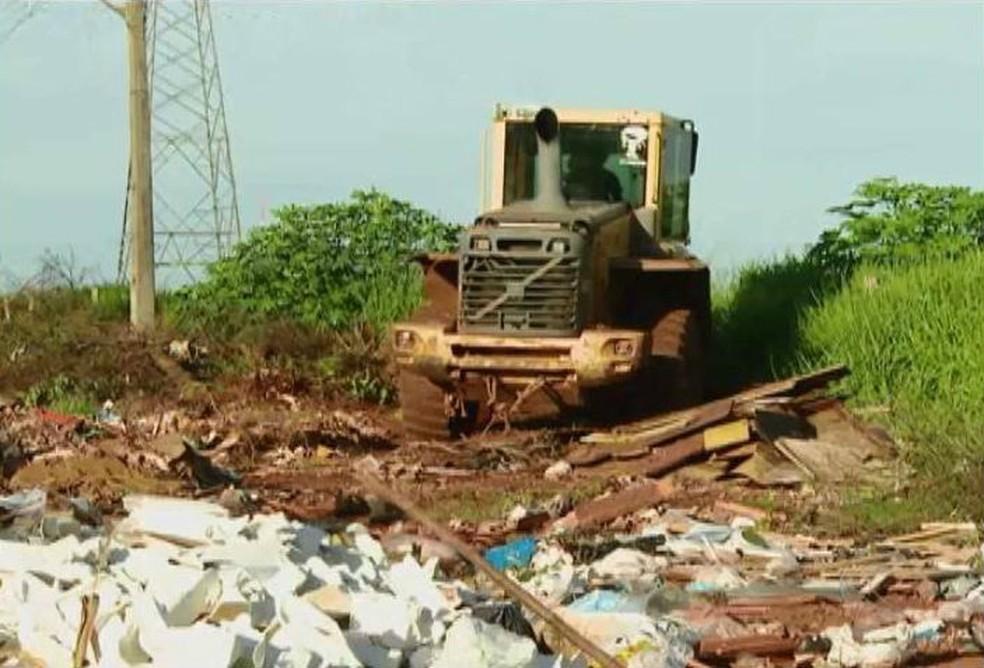 -  Atualmente são 129 pontos críticos de descarte em Uberlândia, segundo a Prefeitura  Foto: Reprodução/TV Integração