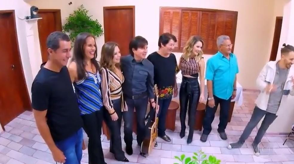 A família voltou no tempo com o quadro do 'Caldeirão' — Foto: TV Globo