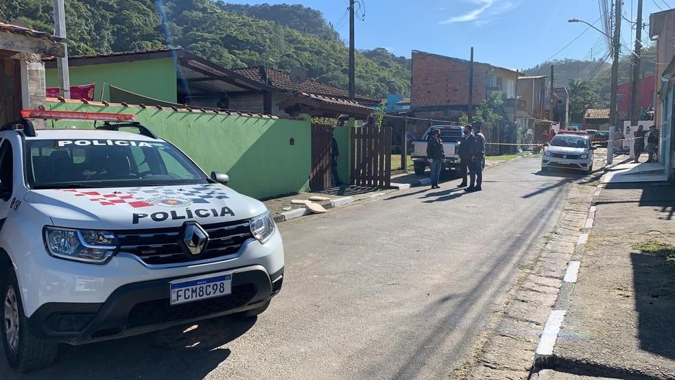 Homem matou esposa na frente dos filhos e depois se matou — Foto: João Mota/TV Vanguarda