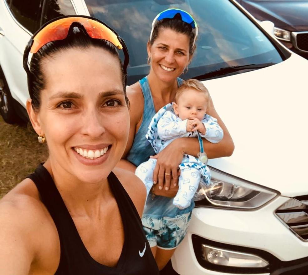 Lili e Larissa são mães de Gael, que tem quatro meses — Foto: Arquivo Pessoal
