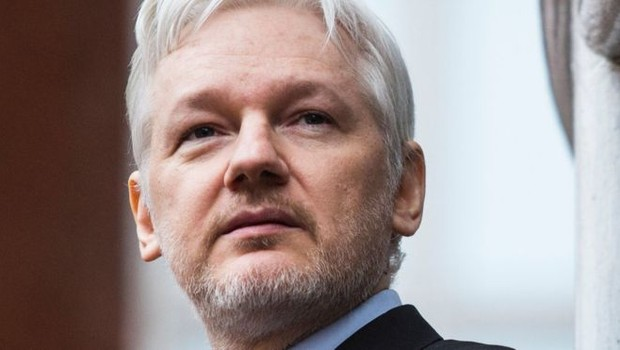 Julian Assange pediu asilo na embaixada do Equador em Londres em 2012 (Foto: Getty Images via BBC News Brasil)