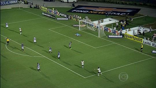 Corinthians conseguiu a terceira vitória seguida no Paulistão