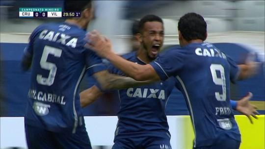 Rafinha faz o gol da vitória do Cruzeiro após bonita troca de passes