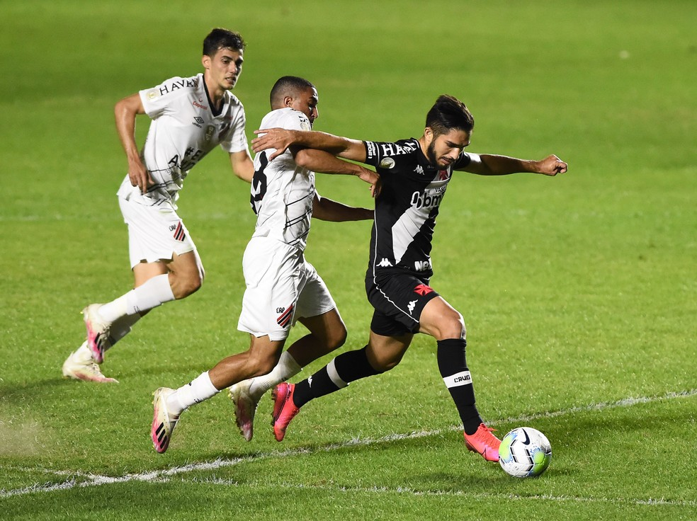 No primeiro turno, o Vasco venceu o Athletico por 1 a 0 — Foto: André Durão