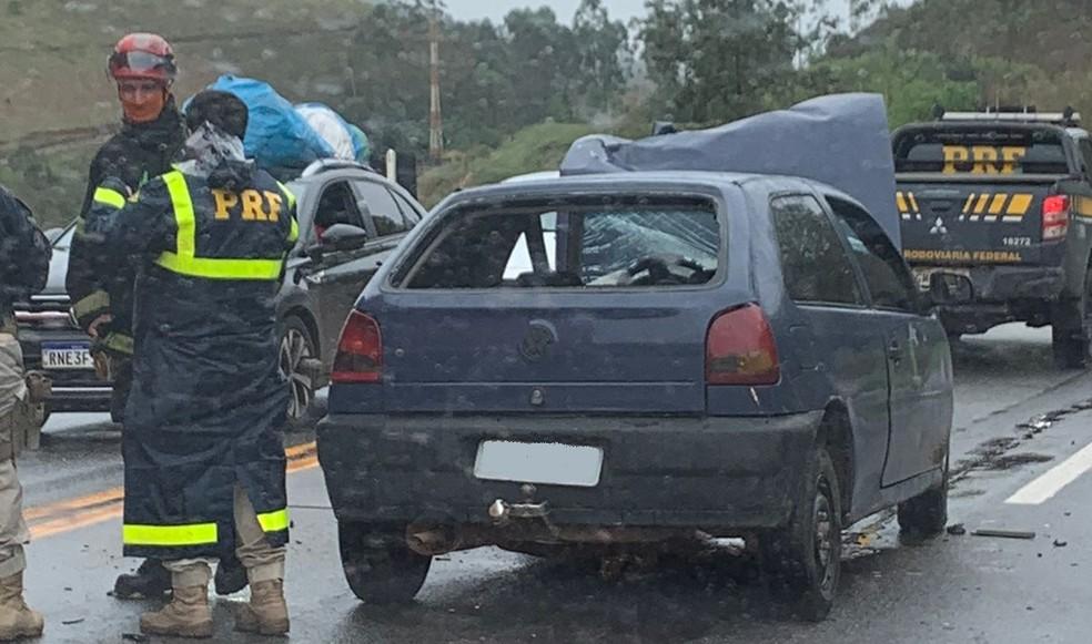 PRF atende ocorrência de acidente na BR-040 em Ewbank da Câmara — Foto: Corpo de Bombeiros/Divulgação