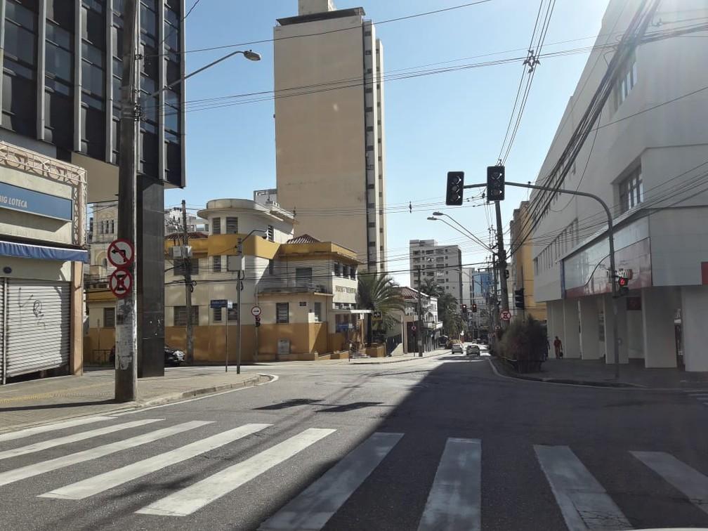 SOROCABA (SP) - Rua São Bento, em Sorocaba (SP), segue vazia nesta quinta-feira (26) — Foto: Guilherme de Moraes/Arquivo Pessoal