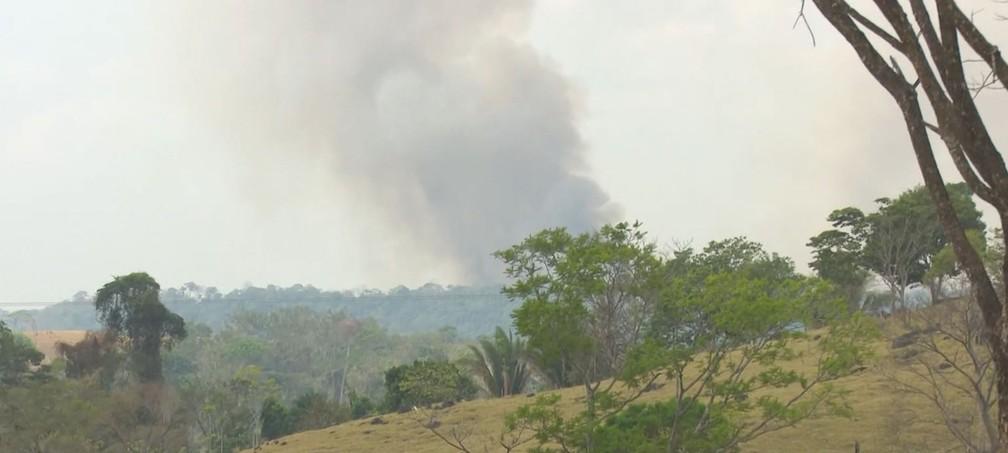 Reserva Margarida Alves é destruída por incêndio em Nova União — Foto: Rede Amazônica/Reprodução