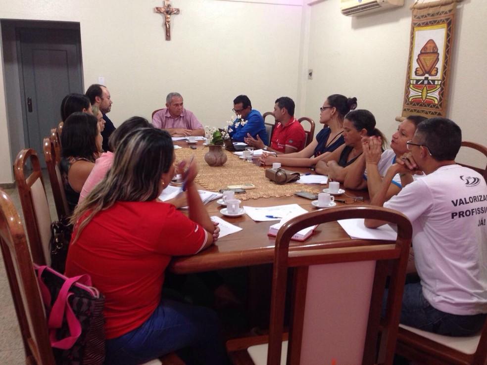 Representantes do Sintesp foram recebidos em reunião pelo prefeito Nélio Aguiar e o titular da Semsa, Edson ferreira Filho (Foto: Sintesp/Divulgação)
