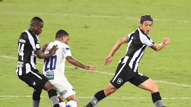 Botafogo e Fortaleza fizeram jogo bastante disputado no Nilton Santos