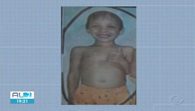 Mãe e padrasto de menino assassinado no Clima Bom são chamados para novo depoimento - Notícias - Plantão Diário
