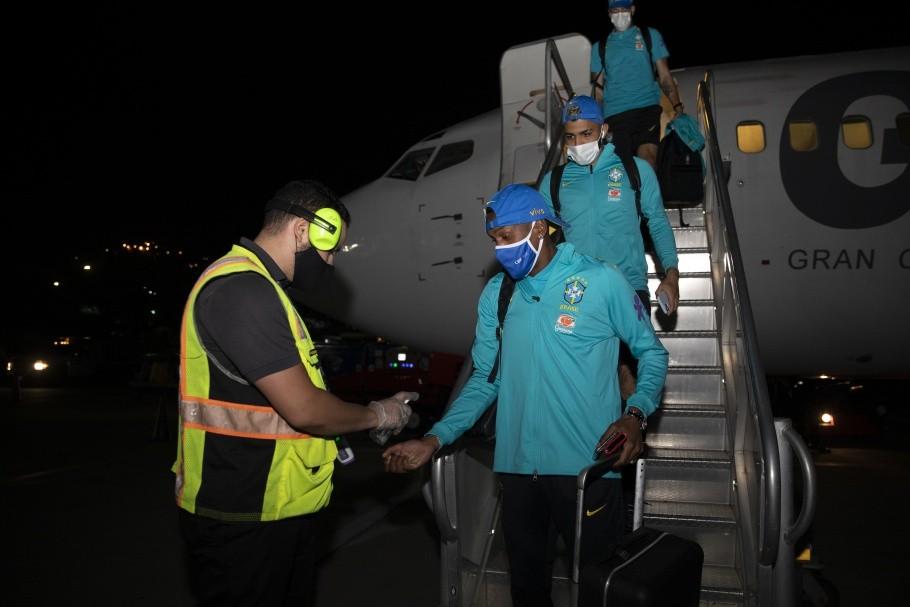 Seleção Brasileira voou com empresa aérea de capital venezuelano monitorada por autoridades, diz jornal