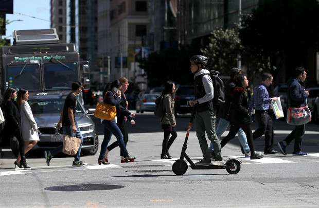 Patinetes são solução de mobilidade em São Francisco (Foto: Getty Images)