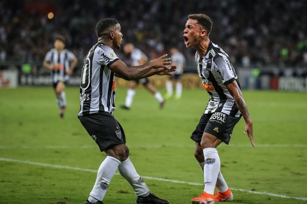 A dupla Marquinhos e Bruninho recebeu a oportunidade e não decepcionou — Foto: Bruno Cantini/Atlético-MG