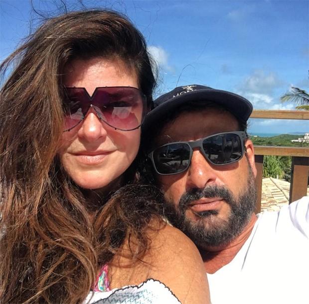Cristiana Oliveira com o namorado, Sérgio (Foto: Reprodução/Instagram)