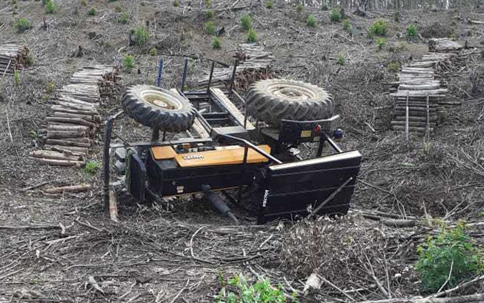 Caso ocorreu na zona rural de Valença. Homem utilizava veículo para recolher lenhas. — Foto: Blog Vermelhinho da Bahia