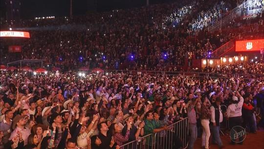 Show de Chitãozinho & Xororó lota a Arena do Parque do Peão de Barretos, SP