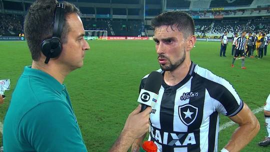 """Pimpão analisa lance polêmico com árbitros e empate com o Vasco: """"Nós temos que melhorar"""""""