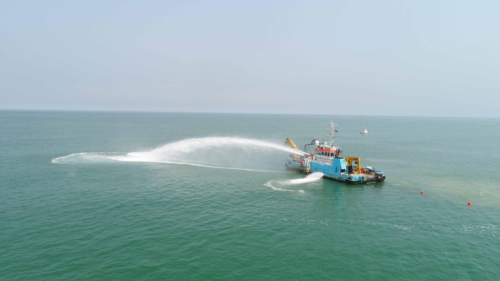 Cabo submarino ligando Angola ao Ceará começa a ser instalado (Foto: Divulgação)