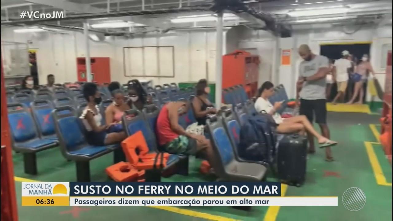 Ferry boat Rio Paraguaçu apresenta defeito no meio da travessia e passageiros se assustam