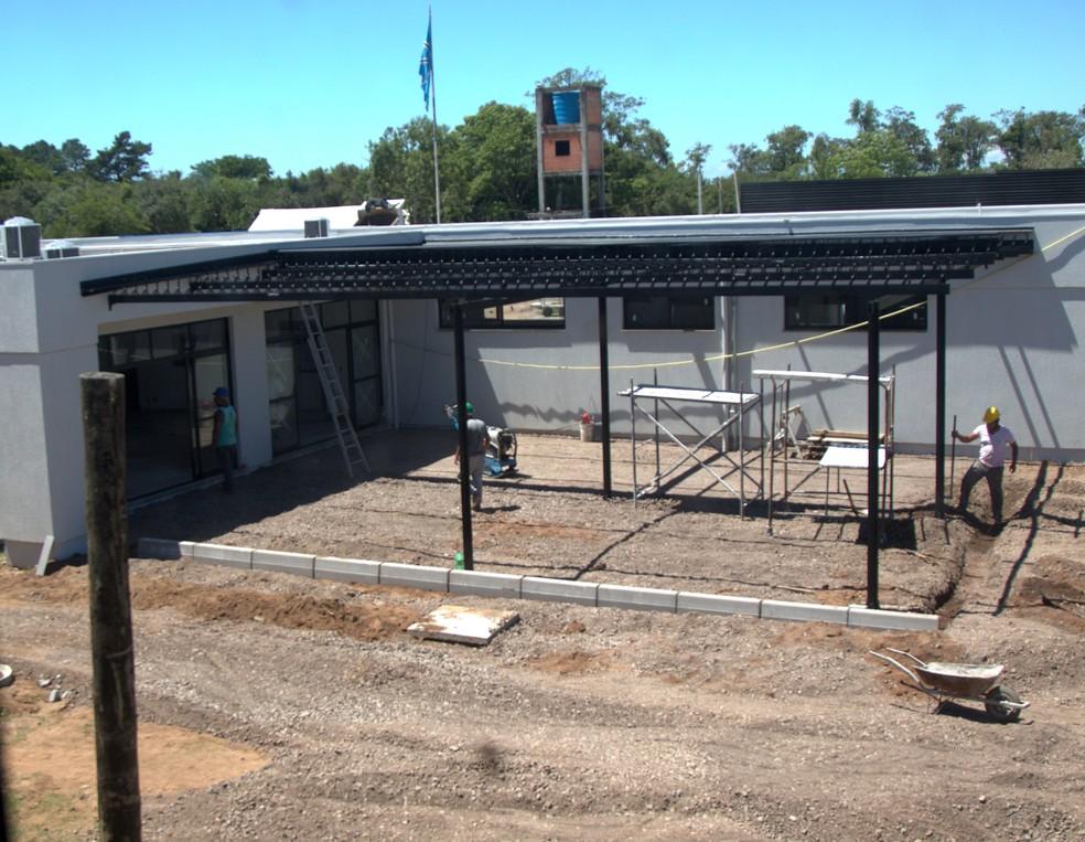 Área externa do refeitório do novo CT da base do Grêmio — Foto: Rodrigo Fatturi/Grêmio